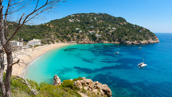 Loty Ibiza
