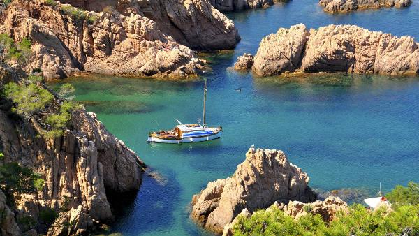 Flights Barcelona Menorca Starting From 20 Bravofly Com